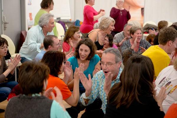Yoga du Rire Avril Ecole du Positif Sciences du bonheur